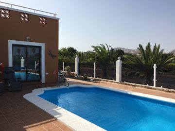 LUXURY 3 BEDROOM VILLA OVERLOOKING GOLF COURSE WITH PRIVATE HEATED POOL AND WIFI