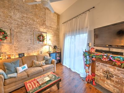 Photo for 'FALL' INTO NOLA IN 2019!! 1BR/1BTH IN the QUARTER! COME TO STAY & PLAY!