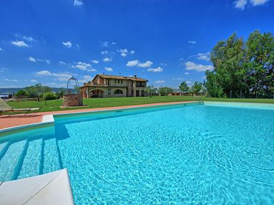 Photo for Luxury villa with private pool perfectly located close to Assisi
