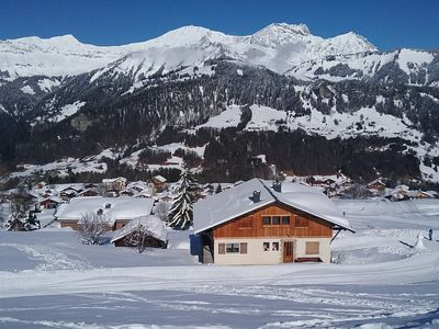 Photo for Apartment in a chalet in the heart of the slopes