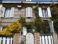 We have loved staying at Anne's house and in Étretat. A beautiful peaceful retreat.