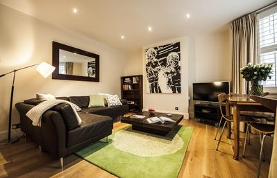 Photo for Charming Chelsea Flat Just Off Kings Road With Private Garden