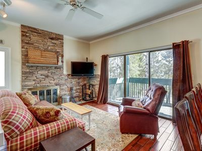 Photo for Renovated condo w/ shared seasonal pool & tennis - walk to trail!
