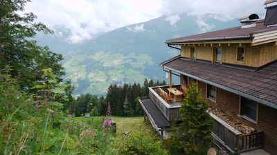 Photo for Old, comfortable vacation hut, in the skiing, toboggan and hiking region