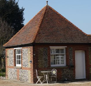 Photo for Well Cottage, a one bedroom self-catering holiday cottage all on one level.