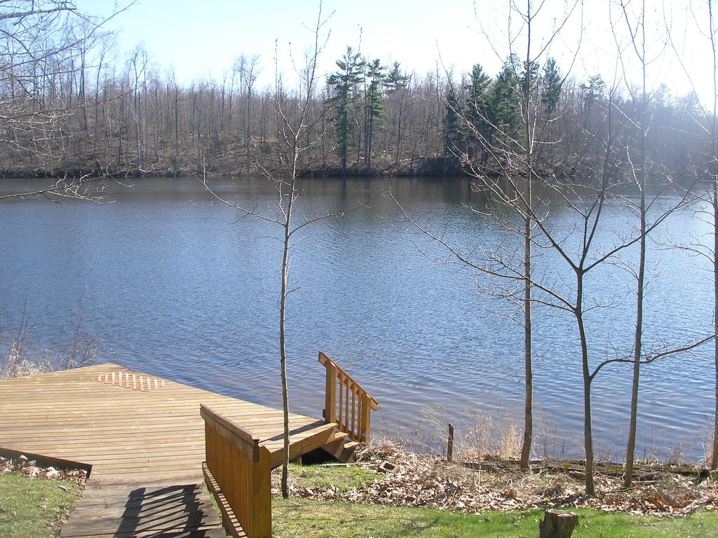 Secluded lake front cabin on one of wisconsin 39 s premiere for Wisconsin fishing lodges