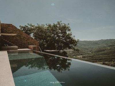 Photo for Magnificent villa with pool & spectacular view