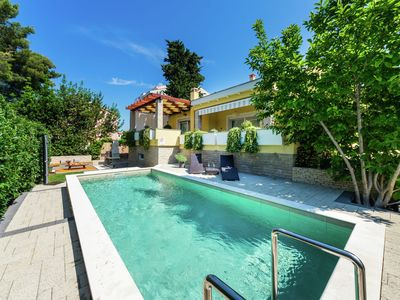 Photo for Exquisite Villa with Private Pool in Zadar