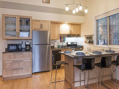 Photo for Mt. Bachelor Village Condo, Pool & Hot Tub, Minutes to Mountain, River & Trails