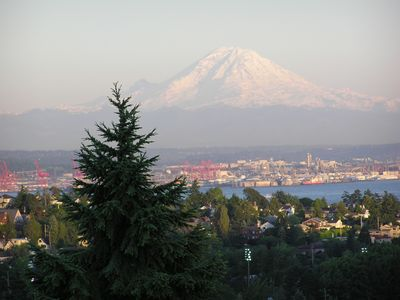 Photo for Beautiful 4 bedroom home with downtown Seattle and Mt. Rainier views