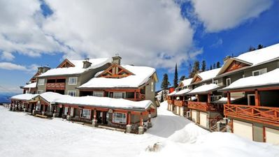 Photo for 1345 sq.ft Condo with Ski-to/Ski-from Access and a PRIVATE Hot tub!
