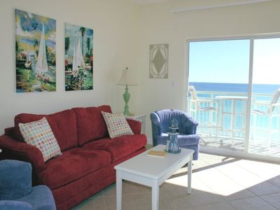 Beach cottage theme to compliment this unit's views!