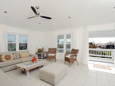 Romantic, luxurious cottage with stylish contemporary decors, ocean views.