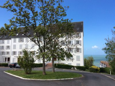 Photo for Beautiful charming apartment 700m from the beach, linen, parking included