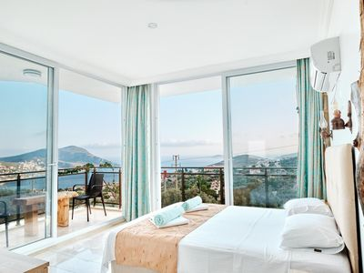 Photo for Luxury 3 Bed Penthouse ensuite Duplex Apartment - Private Pool