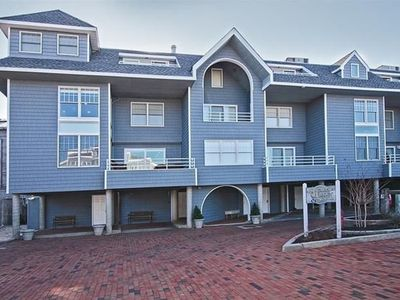 Gorgeous Bayfront Condo w/Heated Pool in the heart of Beach Haven.