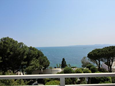 Photo for Great apartment very well located in the Cala de Canyelles Petites, with private parking. 9