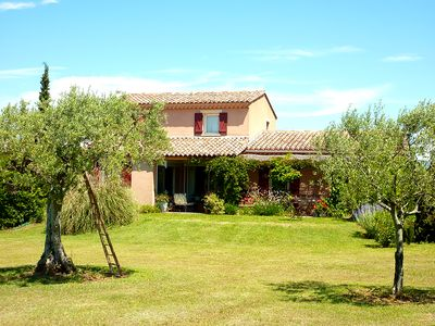 Photo for Detached house with private pool at the foot of Ventoux