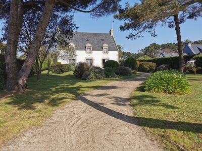 Photo for Charming family house, with large garden, facing the beach