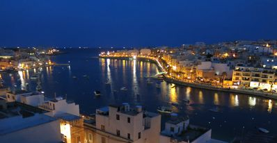 Photo for Luxury 2 bedroom penthouse fabulous harbour view