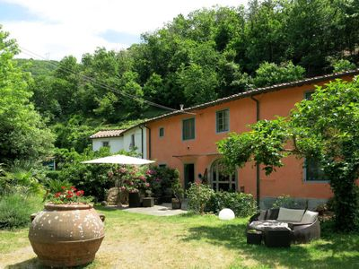 Photo for 3 bedroom Villa, sleeps 10 in Pugnano with Pool and WiFi