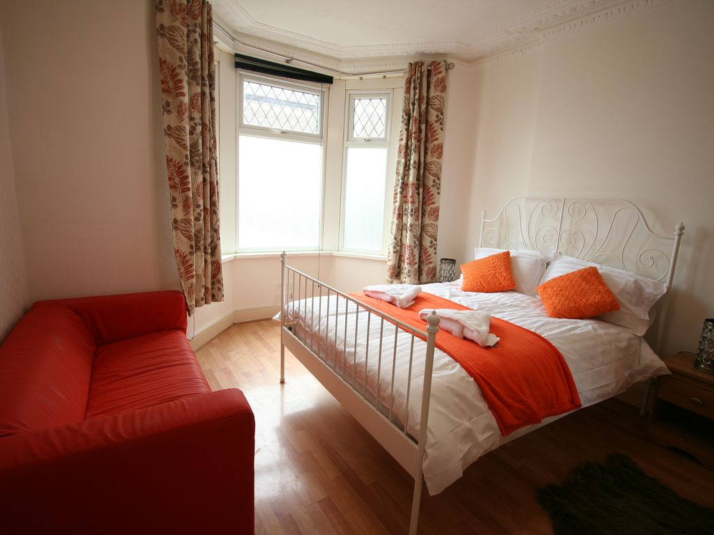 Gorgeous House in Trendy part of Cardiff, Room 1