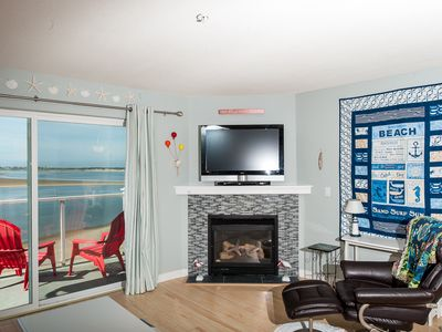 Photo for Pet friendly 2-bedroom condo w/ bayfront views in Lincoln City's Taft!