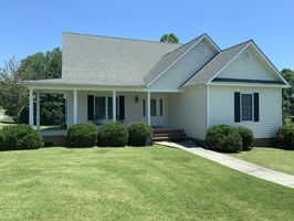 Photo for 3BR House Vacation Rental in Farmville, Virginia