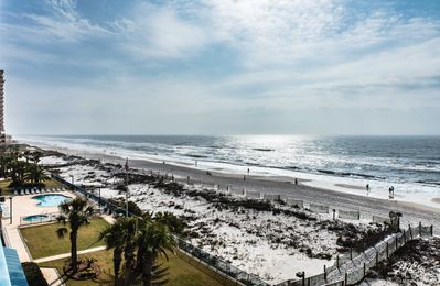 IN THE CENTER OF IT ALL!! GULF SHORES CONDO HAS IT ALL, POOL & MORE!
