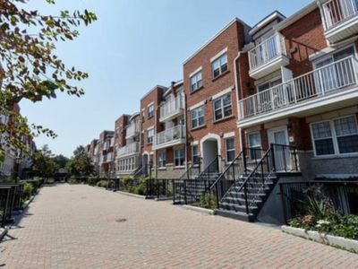 Photo for 2 Bed + Den, 2 Bath TOWNHOUSE with ROOFTOP Patio, #00026