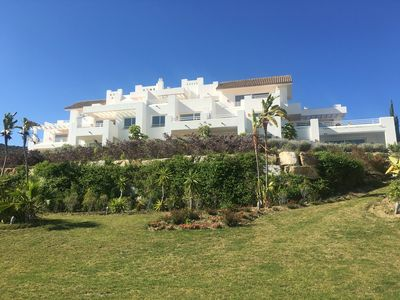 Photo for Luxury 2 bed contemporary apartment in peaceful surroudings of Alcazaba Lagoon.