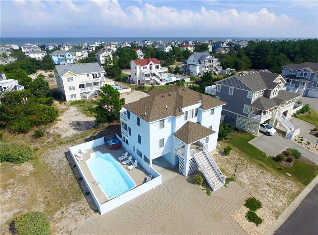 Light'n Up!: Private pool, game room with pool table! Close to community  sports center  - Whalehead Beach