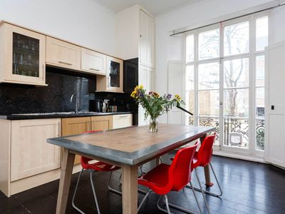 Photo for 3 bed house sleeping 7 on the edge of leafy Hampstead Heath (Veeve)
