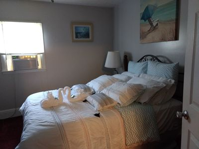 Photo for Steps to beach, 2 bdrm, CLOSE TO JET Exp. And area attractions