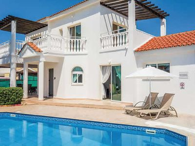 Photo for Unwind in this cul-de-sac villa with private pool & BBQ - beach & resort a short stroll away