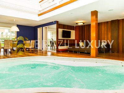 Photo for Luxurious 5 bedroooms villa in Jurerê Internacional