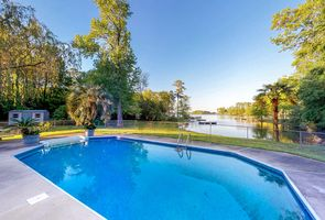 Photo for 3BR House Vacation Rental in Gilbert, South Carolina