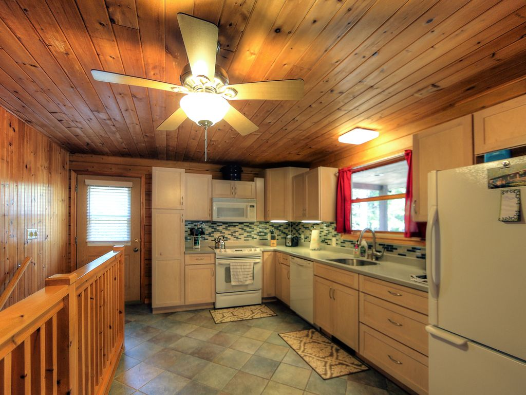 Picture Perfect Bar Harbor Log Cabin Set Minutes From