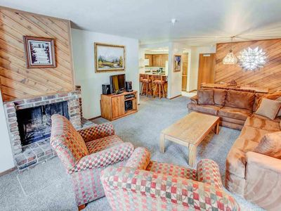 Photo for Family friendly condo w/ shared jacuzzi, spa, pool- walking distance to Eagle Express