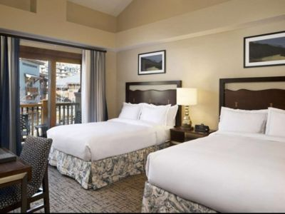 Photo for 4 Bedroom Ski in. Sleeps up to 12 Sunrise Lodge by Hilton Grand Vacations