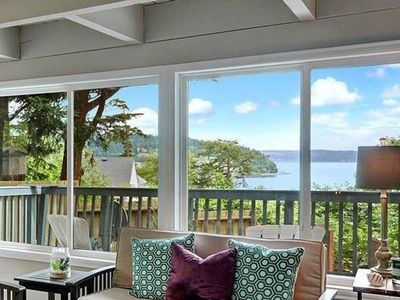 Photo for Cozy 2BR/1BA Island Cottage with Waterview and Beach