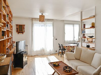 Photo for Calm flat with terrace at the heart of the trendiest districts - Welkeys