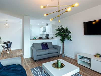 """Photo for """"Opulent Luxe Sapphire"""" - 3 Bed Apt FREE PARKING + GYM"""