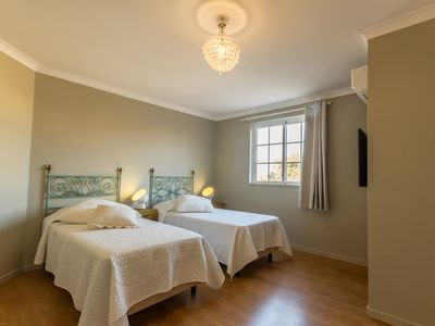 Photo for Spacious suite with swimming pool vicino ai servizi