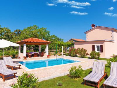 Photo for Quiet and secluded, minutes to beach, private pool in a wonderful garden