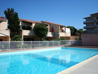Photo for Apartment with 2 bedrooms, 50m2, sleeps 6, 150m from the beach, new fittings.