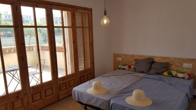 Photo for Nice recently refurbished apartment great terraces 3min to the beach. Pk incl.