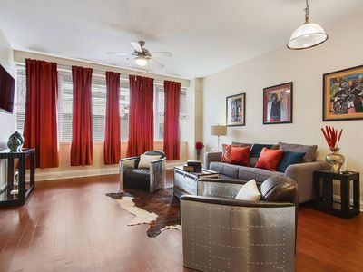 Photo for CLASSIC DOWNTOWN CONDO W/ROOFTOP POOL!