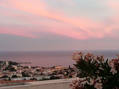 Photo for BANDOL: two rooms Neuf + swimming pool + panoramic view + any comfort + calm