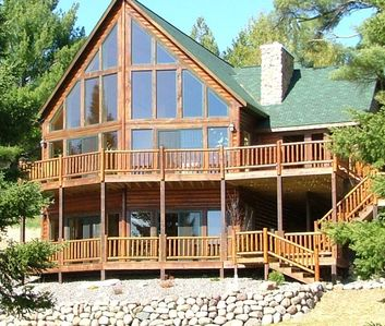 Beautiful newer lake home with sandy beach and no steps to shore